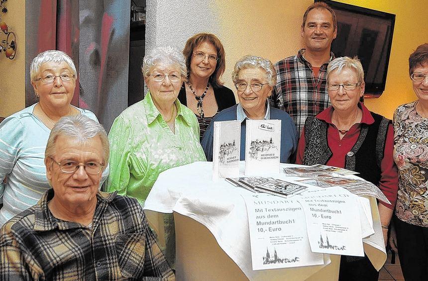Bewährte Kräfte sind im Vorstand des Mundartvereins Heppenheim (von links): Annelie Neher, ...