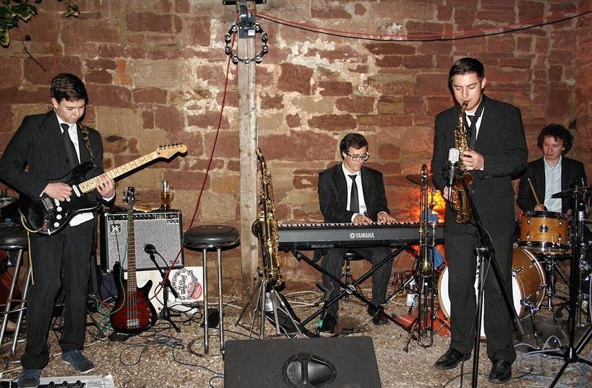 Jazz pur in den verschiedensten Stilrichtungen boten den Besuchern am Samstagabend acht Bands in ...