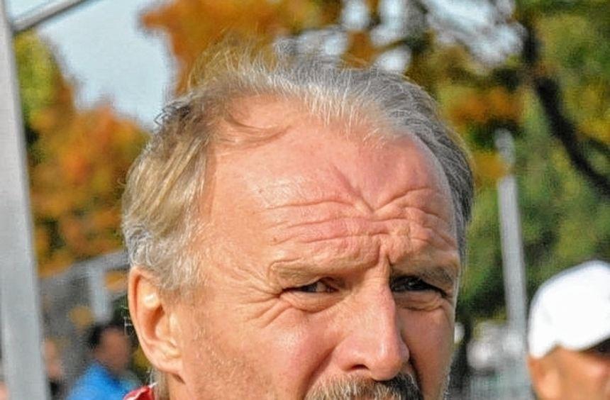 Bleibt er oder muss er gehen? Die Zu-kunft von Trainer Ludwig Brenner beim Verbandsligisten FC 07 ...