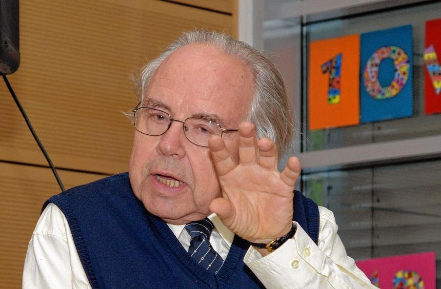 10 Jahre Grundschule Kappesgärten: Professor Richard Meier sprach beim Festvortrag über 1000 Jahre ...
