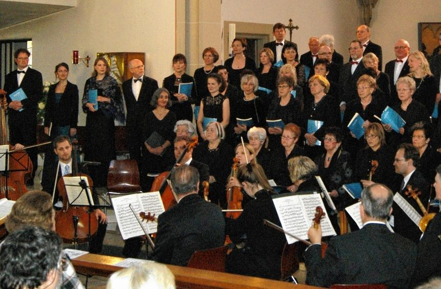 Der katholische Kirchenchor und das Kurpfälzer Kammerorchester begeisterten in der Kirche St. ...