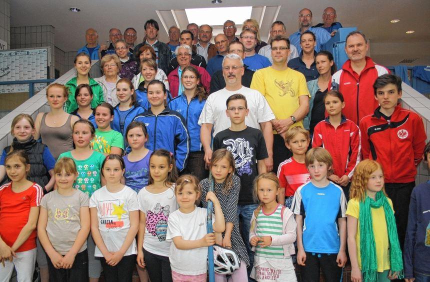 Vor dem Start in die neue Saison erhielten die Sportabzeichen-Teilnehmer ihre Auszeichnungen.
