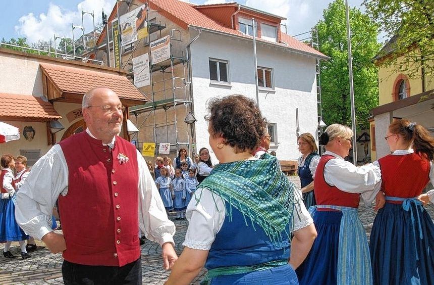Auch die Gastgeber des großen Volkstanzfestivals in Schriesheim, die Aktiven des Gesangvereins ...