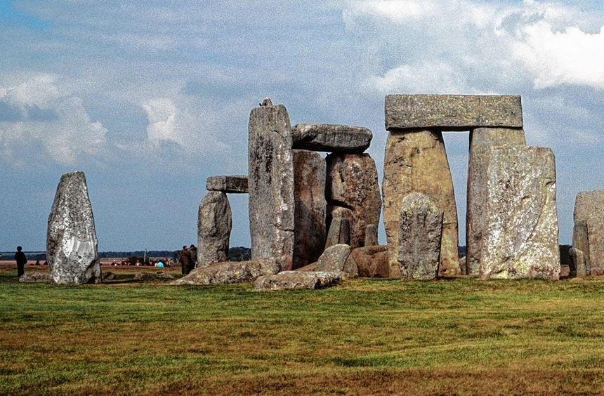 Eine neue Theorie besagt, dass in Stonehenge berühmte Persönlichkeiten bestattet wurden.