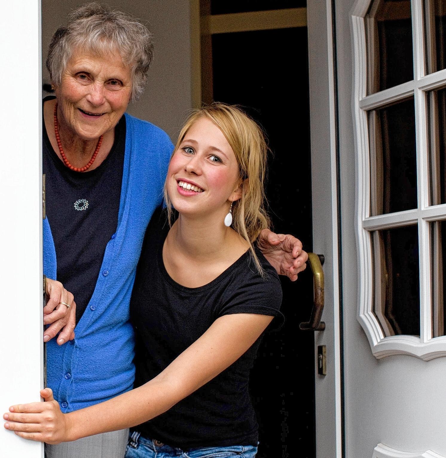Wg Zimmer In Mannheim: Zweck-WG Mit Studenten Und Senioren