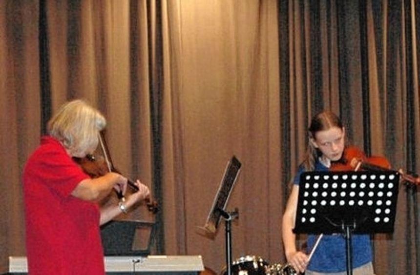Beim Abschlusskonzert der Musikschule Hardheim in der Erftalhalle überzeugten die jungen Künstler ...