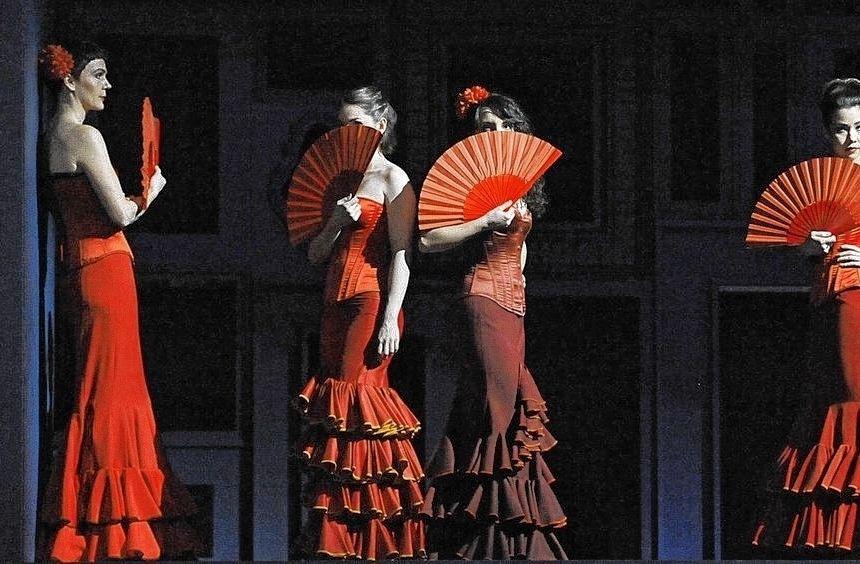 "Bizets ""Carmen"" besucht den Heidelberger Schlosshof."