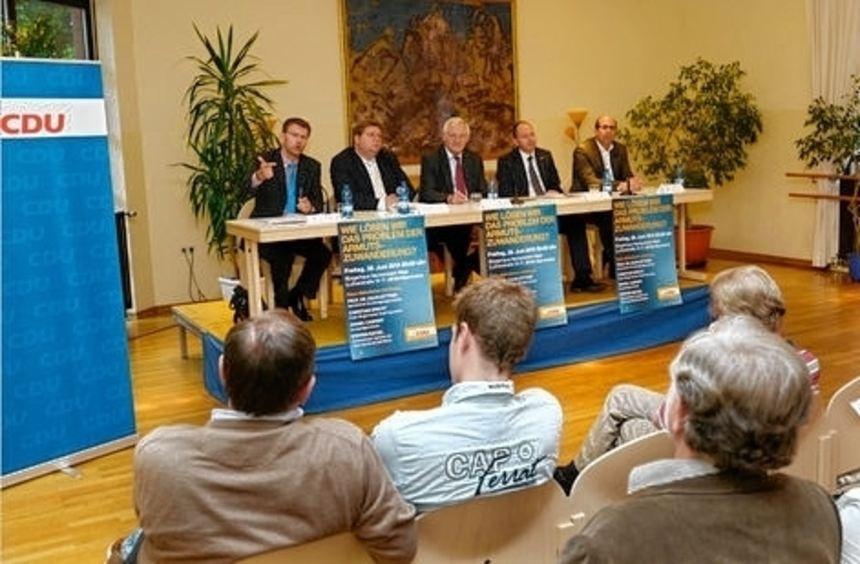 Bei der CDU-VeranstaItung äußern Bürger EU-Frust.