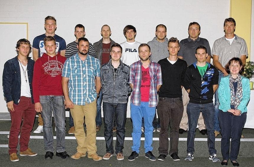 Die Elektroabteilung mit Jörg Heinkelmann und Norbert Jachol.