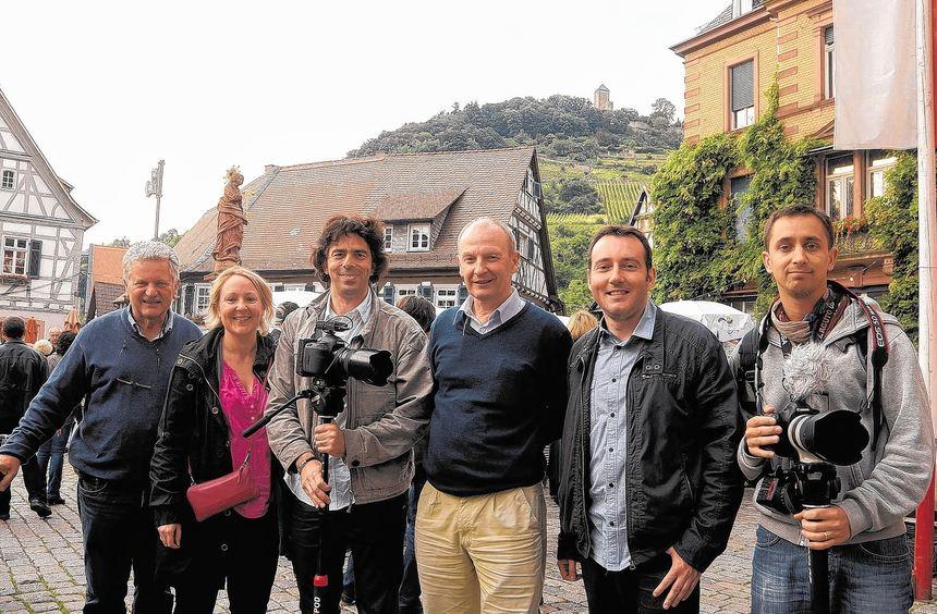 Auch Journalisten aus Heppenhejms französischer Partnerstadt Le Chesnay waren in einer Reisegruppe ...