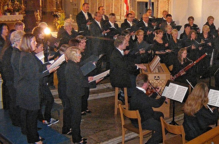 Minutenlanger Applaus in der gut besuchten Stadtkirche St.Jakobus gab's am Ende für die ...