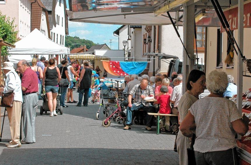 Sindolsheim feierte am Montag mit vielen Gästen den traditionellen Sommermarkt.