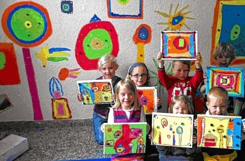 Mit dem Künstler Hundertwasser befassten sich die Kindergartenkinder.