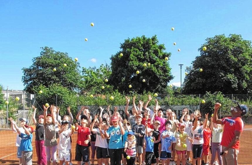 Mit ihrem Schnuppertag sind die Verantwortlichen des Tennisvereins neue Wege gegangen, um Kindern ...