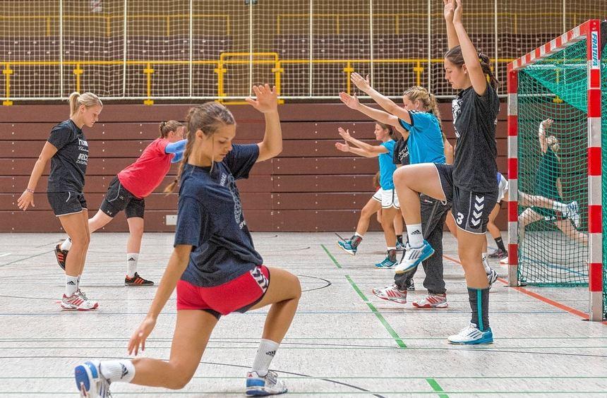 Jetzt wird es so langsam ernst: In dieser Woche starteten die Handballerinnen der HSG ...