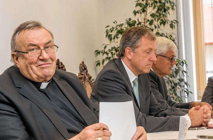 Klinikfusion in Bensheim besiegelt: Karl Kardinal Lehmann, Mannheims Oberbürgermeister Dr. Peter ...