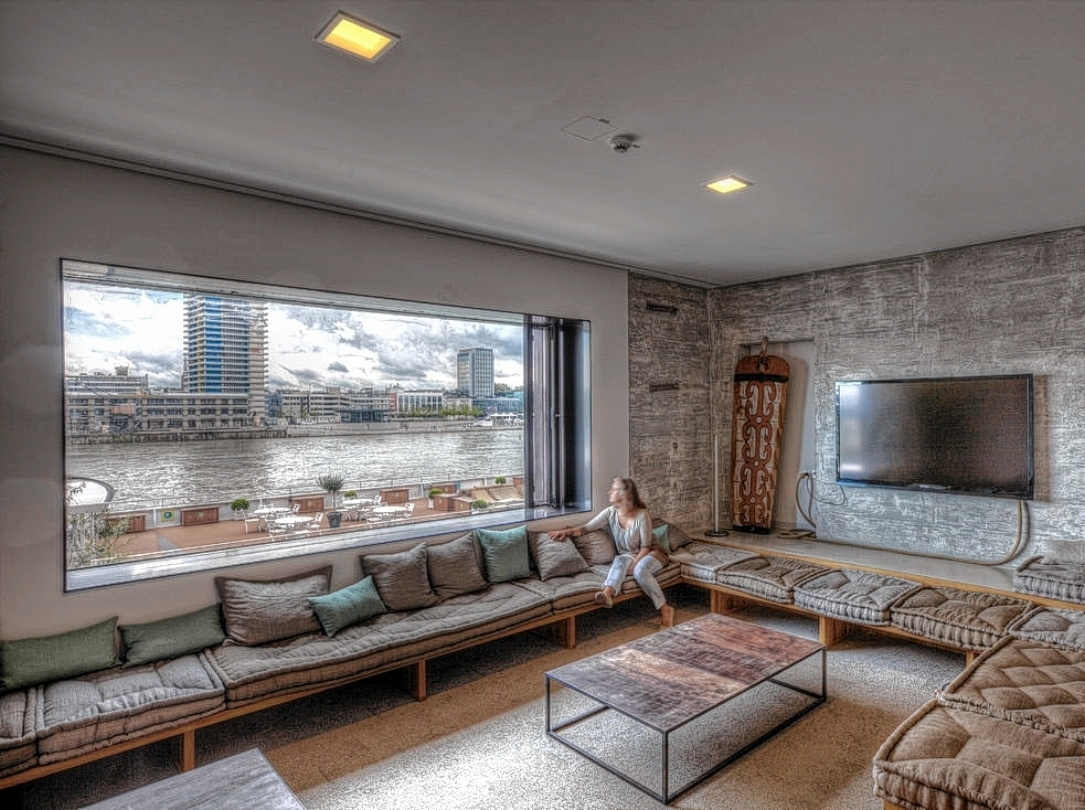 streit um zus tzliche hotelzimmer mannheim stadt mannheim morgenweb. Black Bedroom Furniture Sets. Home Design Ideas