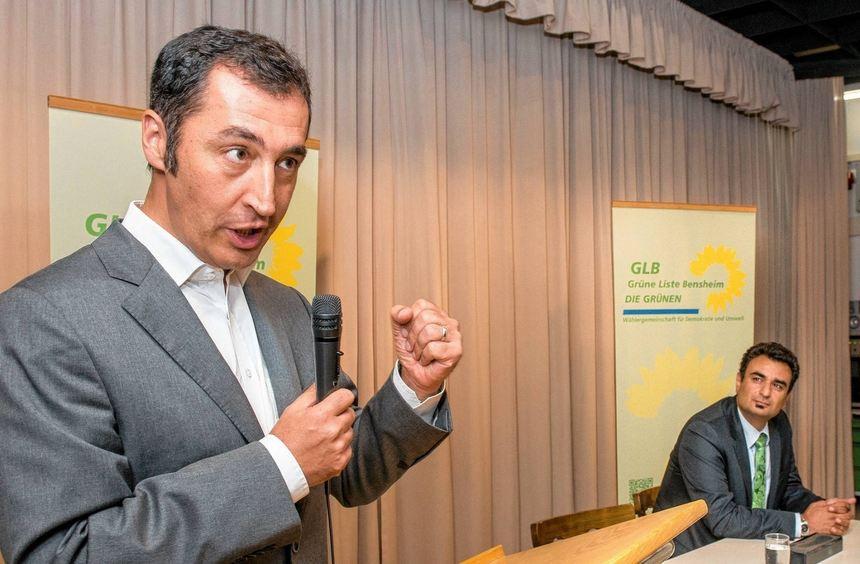 Der Bundesvorsitzende der Grünen, Cem Özdemir, sprach am Dienstag im vollbesetzten Kolpinghaus. ...