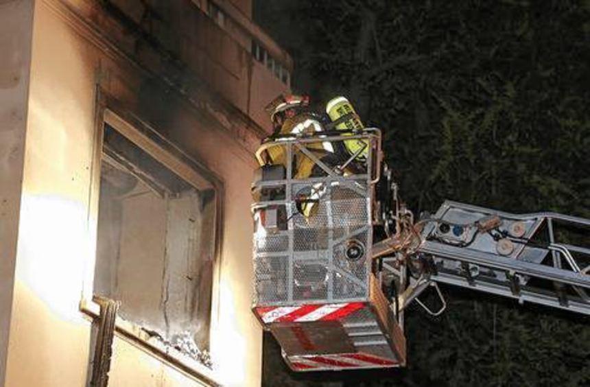 In einem leerstehenden Gebäudeteil brannte eine Wohnung aus.