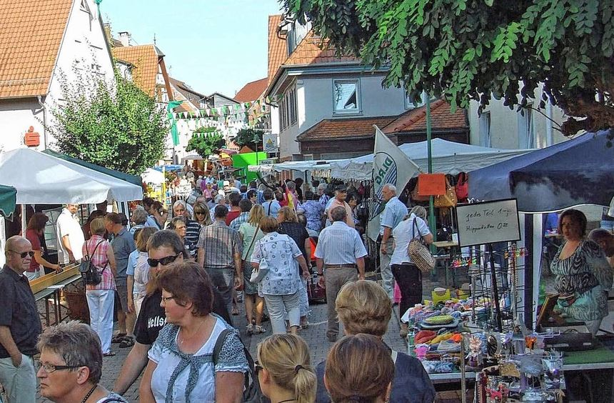 Ein Bummel durch die am Samstag und Sonntag, 7. und 8. September, erweiterte Fußgängerzone gehört ...