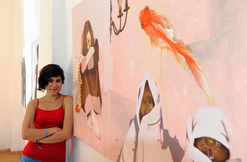 Der Iran mit künstlerisch-surrealistischer Distanz gesehen: Hasti Radpour prangert Missstände ihres ...