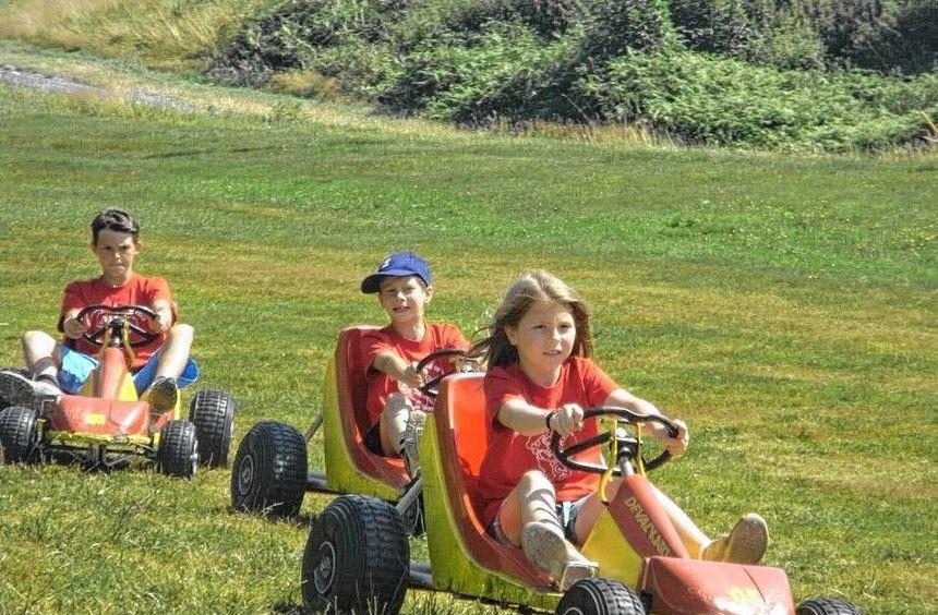 """Das Sommerzeltlager der DLRG Königheim führte unter dem Motto """"Mario Kart - Level up"""" nach ..."""