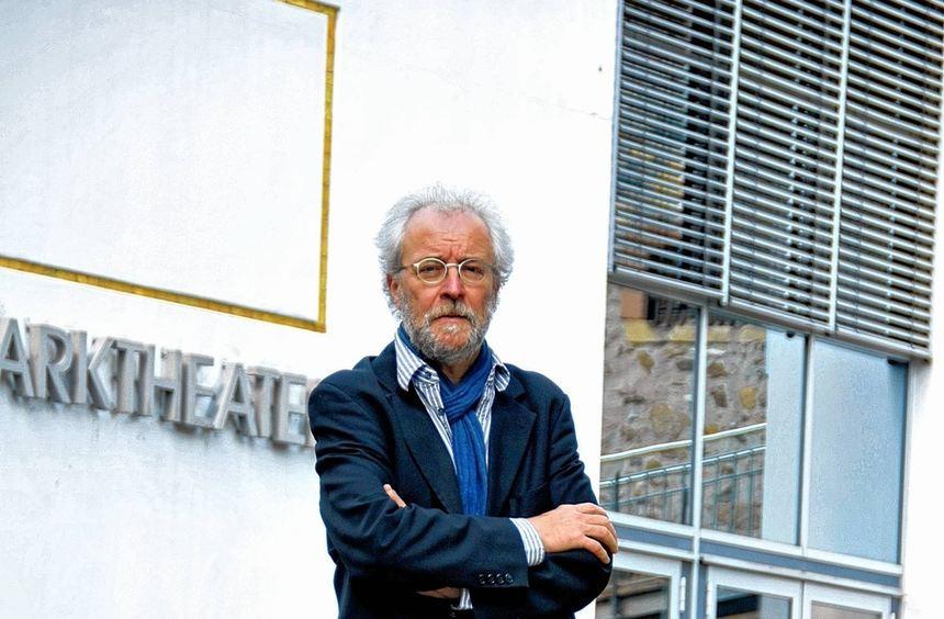 Das Parktheater ist seine zweite Heimat: Seit 20 Jahren stellt Berthold Mäurer das Programm für die ...