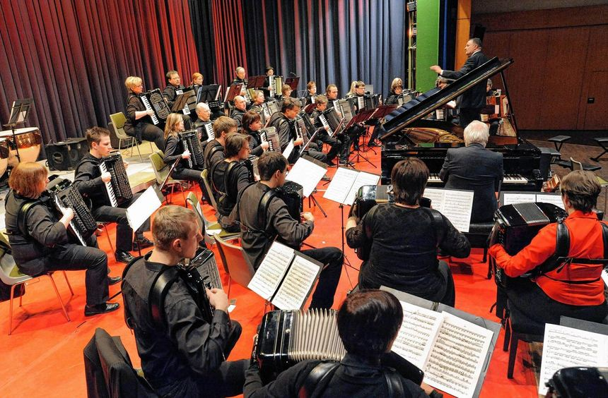 Schon mehrmals gelang es Stefan Kutscher, für außergewöhnliche Konzerte Projektorchester ...