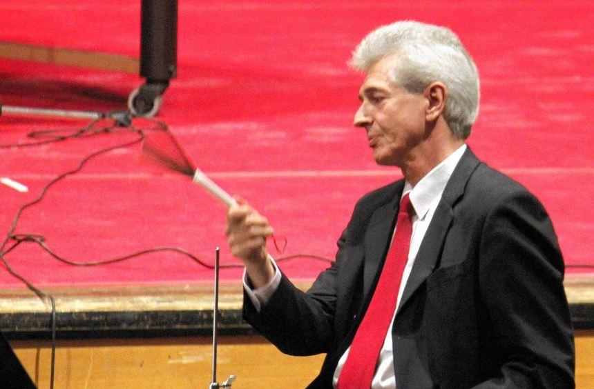 24 Jahre lang gab Claus Schmitt in der Musikschule den Takt an - und griff bei öffentlichen ...