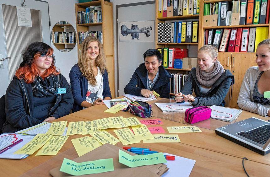 """Beim Jugendklimagipfel im """"Welthaus"""" erarbeiten Schüler ihre Ideen für den """"Masterplan ..."""