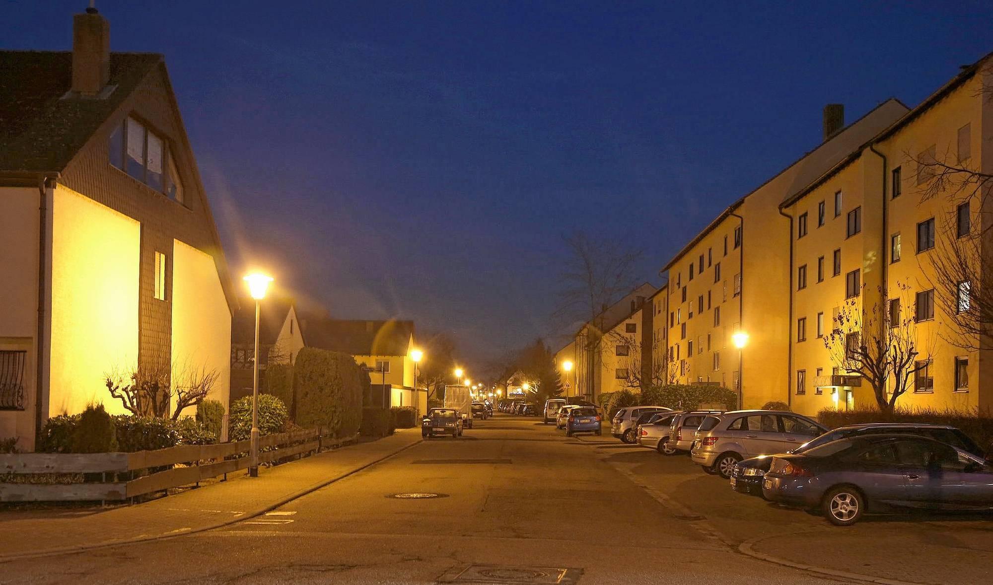 stadt tauscht alle lampen aus mannheim stadt mannheim. Black Bedroom Furniture Sets. Home Design Ideas