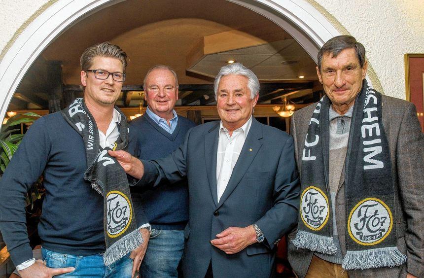 Patrick Lipusch wird neuer Trainer des FC 07 Bensheim. Hier mit dem 2. Vorsitzenden Helmut ...