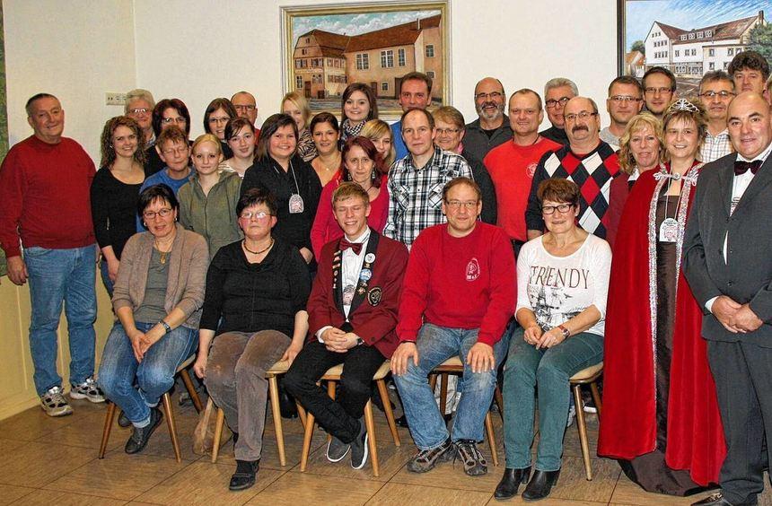 """Beim Ordensfest der """"Rouschebercher Milchsäuli"""" wurden über hundert Mitglieder für ihre langjährige ..."""