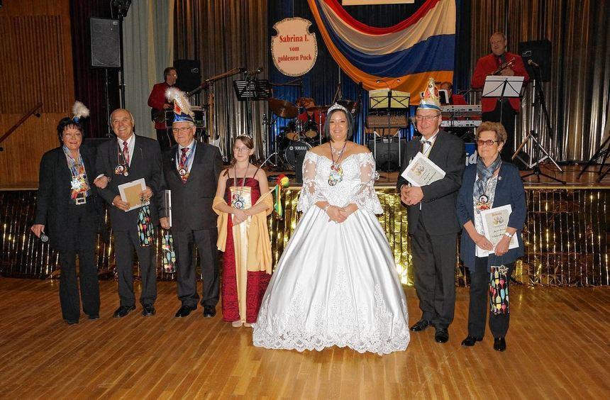"""Prinzessin Sabrina I. verlieh dem Gala-Abend des Karnevalsvereins """"Insulana"""" ebenso wie ..."""