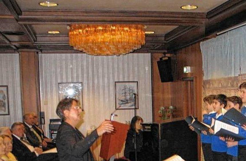 """Die Gesangstalente des Kinder- und Jugendchors """"DOREMI"""" gestalteten beim Neujahrsempfang den ..."""