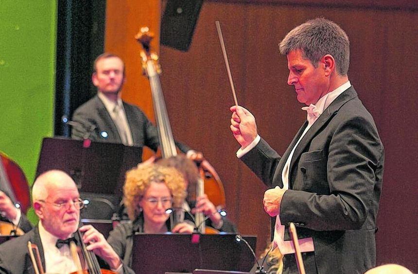 Ungarische Klänge aus der Puszta und Walzermelodien präsentieren die Starkenburg-Philharmoniker ...