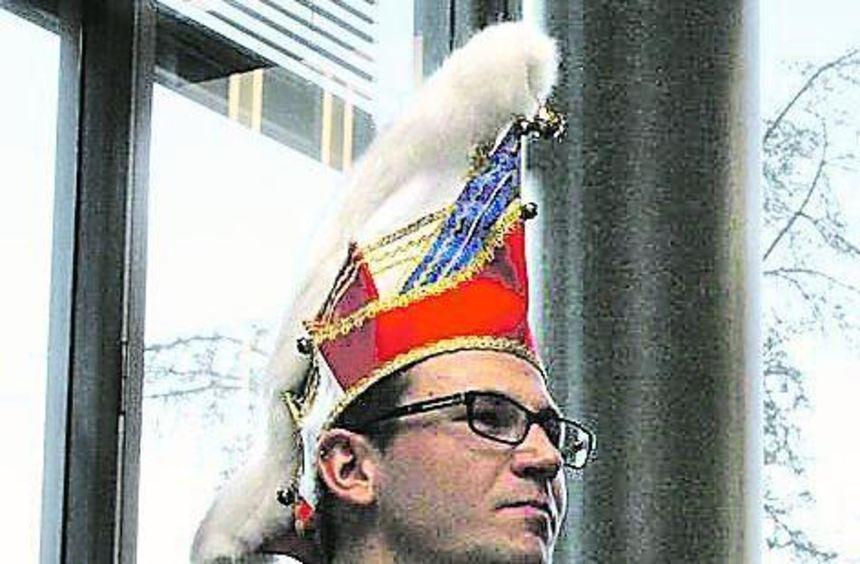 Elferratspräsident Manuel Härtle hält die Büttenrede im Ratssaal.