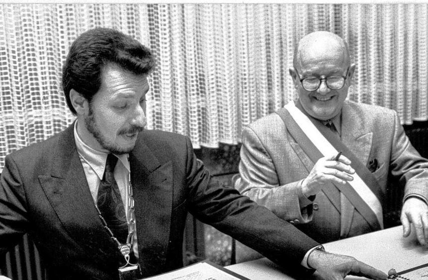 Historischer Moment: Am 15. Januar 1994 unterzeichneten Roland Esche und Gérard Lambert die ...
