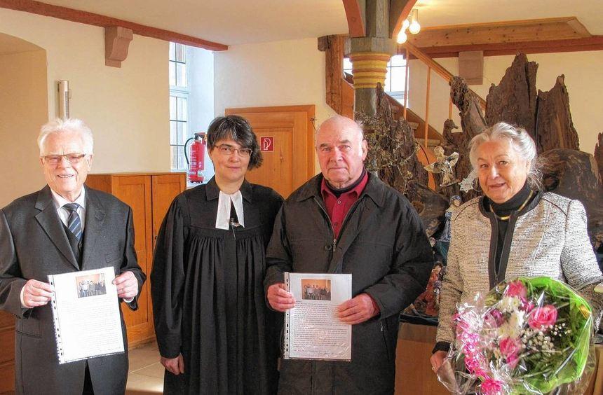 Mit Worten des Dankes und der Anerkennung wurden drei langjährige Edelfinger Kirchengemeinderäte ...