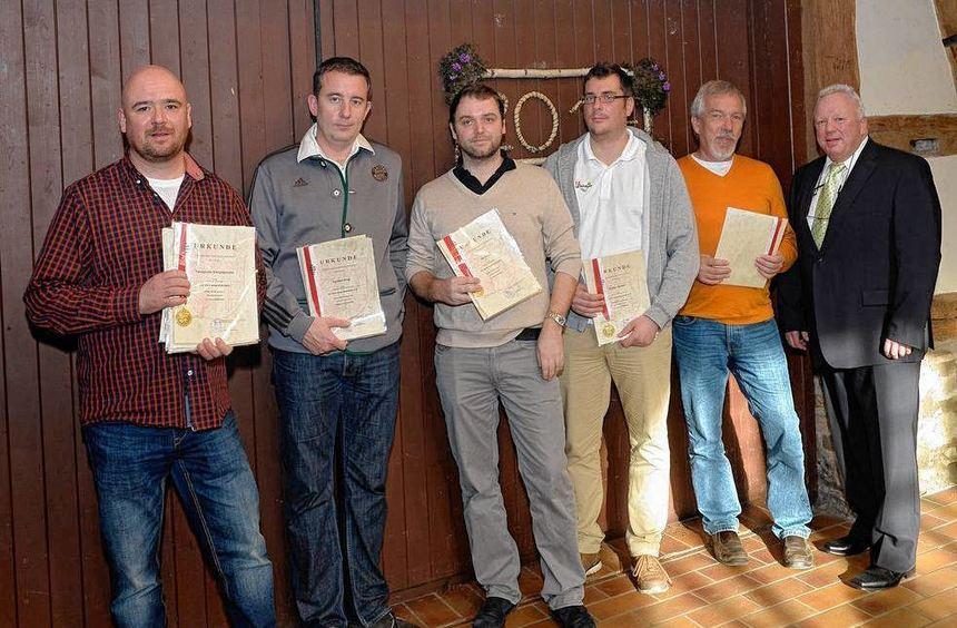 Belohnung für erfolgreiche Sportler: Dazu gehören Mitglieder des örtlichen TC und des Bürstädter ...