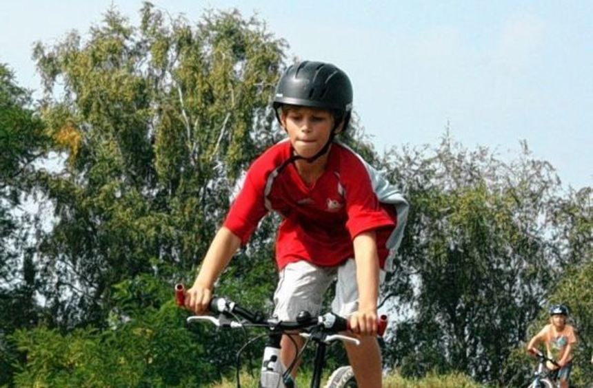 Neben Kneippanlage, Sinnespfad und manchem mehr bietet der Sportpark jetzt einen Bikeparcours - der ...