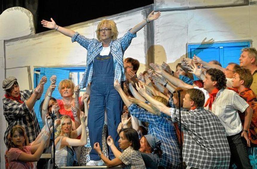 """""""Mamma Mia"""": Die Darsteller des Harmonie-Chors """"Inspiration"""" geben alles. Diesmal haben sie Gospels ..."""