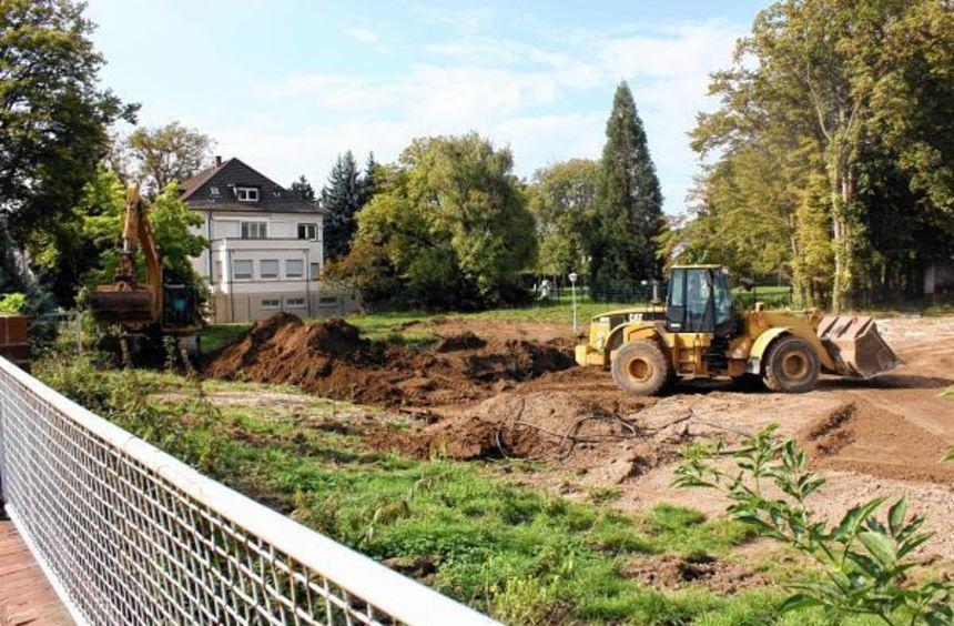 In Nachbarschaft zur Vetter-Villa, Sitz der Stiftung, wurde gestern gebaggert. Am 22. Oktober soll ...