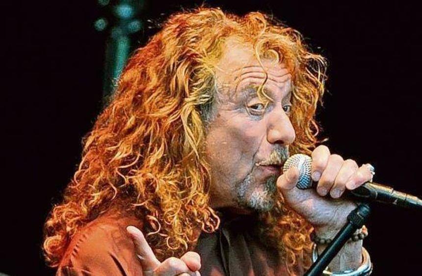 Macht auch mit 66 noch eine gute Figur auf der Bühne: Robert Plant.