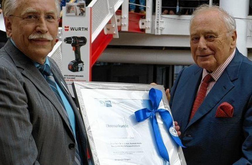 Einmaliges Jubiläum: Der Unternehmer und Kunstmäzen Reinhold Würth (rechts) erhielt vom Präsident ...