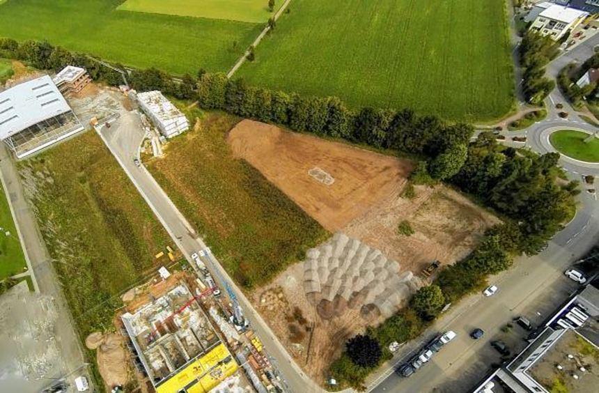 """Auf diesem Gelände des Gewerbegebiets """"Jungholz"""" links und rechts der neuen Heinrich-Lanz-Straße ..."""
