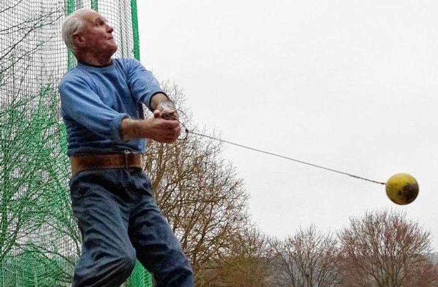 Hermann Albrecht, Weltmeister des Jahres 2012 bei der Senioren-WM in Finnland, scheint zum ...