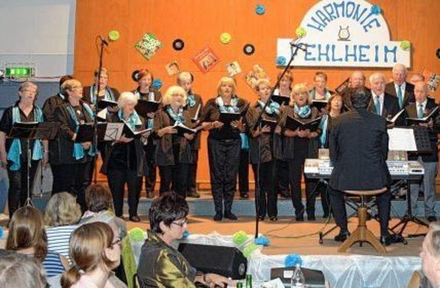 Der Gesangverein Harmonie Fehlheim feierte sein 120-jähriges Bestehen mit einem Konzert im ...