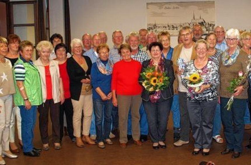 Helma Schmidt, Brigitte Foltz, Horst Steinert und Gerlinde Jäger wurden vom Liederkranz gefeiert. ...