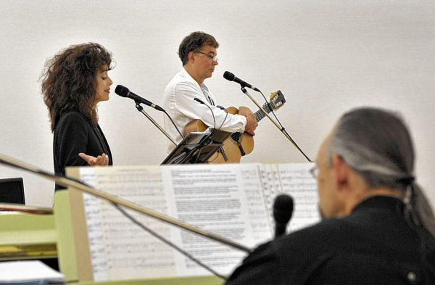 Das Trio Quijote lässt nicht nur die Poesie aus den Liedern sprechen, sondern zeichnet auch die ...